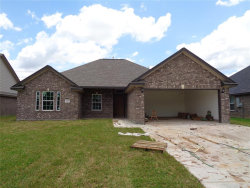 Photo of 310 Yorktown Avenue, Clute, TX 77531 (MLS # 74064019)
