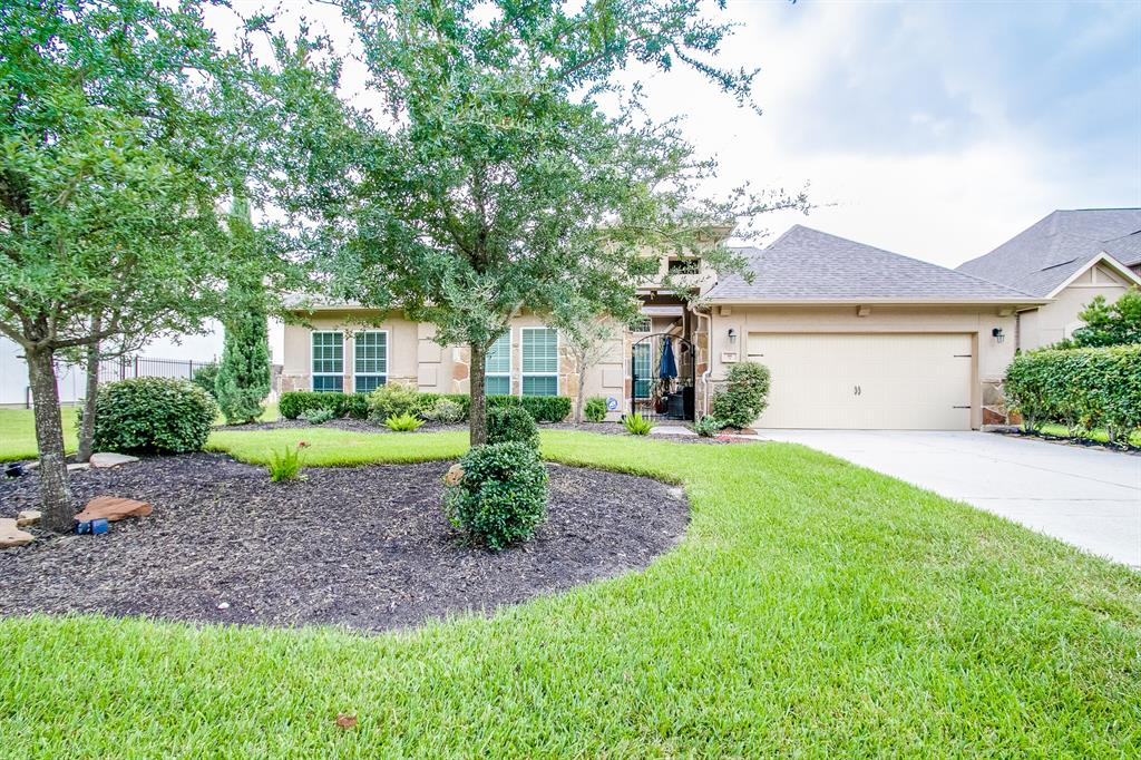 Photo for 66 N Swanwick Place, Tomball, TX 77375 (MLS # 75832154)