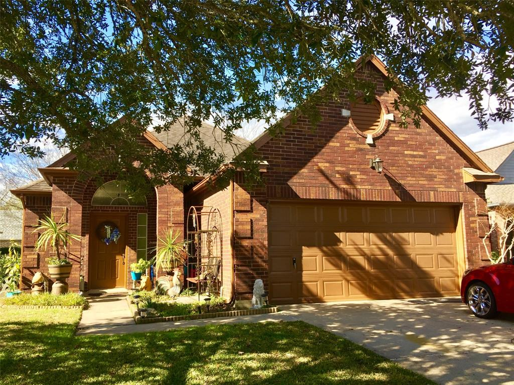 Photo for 718 Redwood Bend Lane, Pearland, TX 77584 (MLS # 78174400)