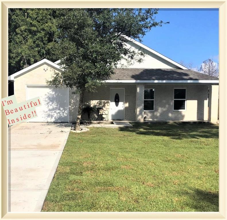 Photo for 5825 Pecan Park Dr, Hitchcock, TX 77563 (MLS # 80577219)