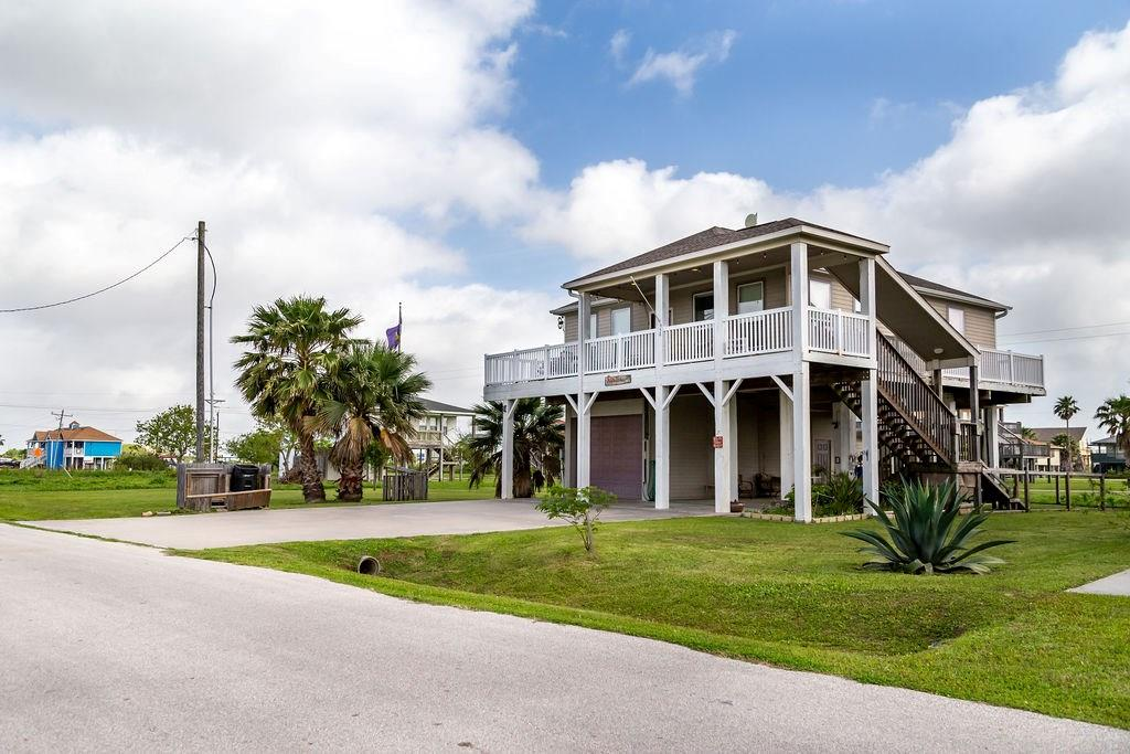 Photo for 950 Yucca Drive, Crystal Beach, TX 77650 (MLS # 85693882)