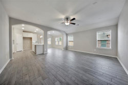 Photo of 63 Melon Summer Drive, The Woodlands, TX 77354 (MLS # 87730408)