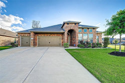 Photo of 110 Forest Bend Court, Clute, TX 77531 (MLS # 87911120)