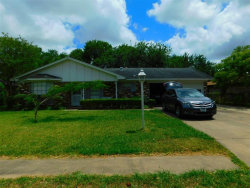 Photo of 118 tALISMAN Street, Lake Jackson, TX 77566 (MLS # 87989299)