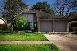 Photo of 310 Brompton Court, Highlands, TX 77562 (MLS # 88651362)