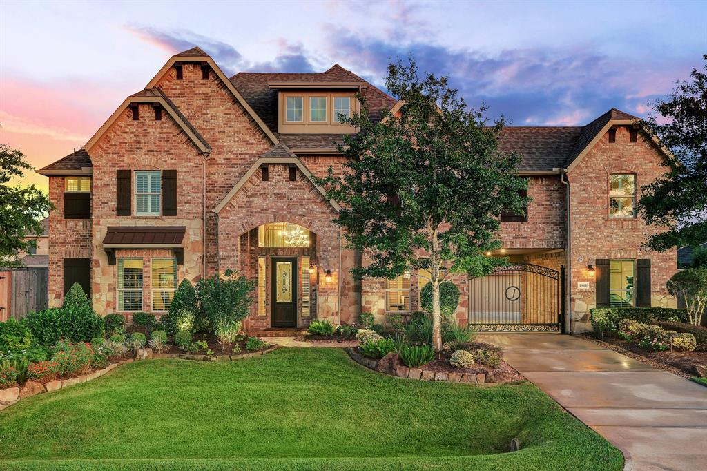 Photo for 1905 Wilderness Trail, Friendswood, TX 77546 (MLS # 89214304)