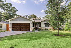 Photo of 1302 Curtin Street, Houston, TX 77018 (MLS # 89223182)