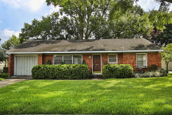 Photo of 504 Wilmington Drive, Bellaire, TX 77401 (MLS # 89604925)