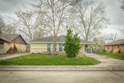 Photo of 115 S Yaupon St, Lake Jackson, TX 77566 (MLS # 89934385)