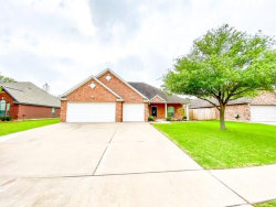 Photo of 119 Majestic Oak Circle, Lake Jackson, TX 77566 (MLS # 90011882)