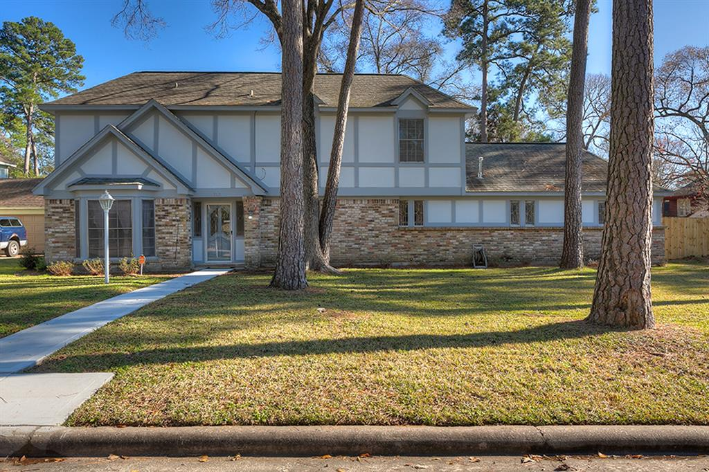 Photo for 713 N Rivershire Drive, Conroe, TX 77304 (MLS # 91033261)