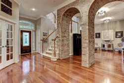 Photo of 6 Mammoth Springs Court, The Woodlands, TX 77382 (MLS # 92529808)
