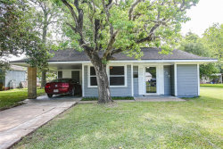 Photo of 109 S 12th Street, West Columbia, TX 77486 (MLS # 9402200)