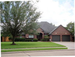 Photo of 1103 Spreading Oaks Drive, Angleton, TX 77515 (MLS # 98701352)