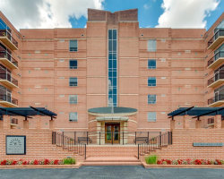 Photo of 1 Waterway Ct Court, Unit 3D, The Woodlands, TX 77380 (MLS # 23046998)