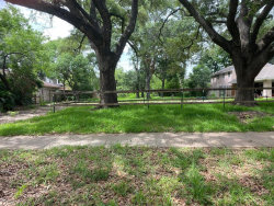 Photo of 5202 Maple Street, Bellaire, TX 77401 (MLS # 10494100)