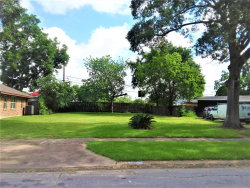 Photo of 6230 Tanager Street, Houston, TX 77074 (MLS # 40917297)