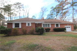 Photo of 5 Wallace Circle, Newport News, VA 23606 (MLS # 10165998)