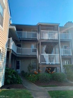 Photo of 2129 Retreat Court, Virginia Beach, VA 23454 (MLS # 10328702)