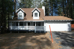 Photo of 689 Golden West Drive, Big Bear Lake, CA 92315 (MLS # 31904921)