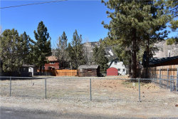 Photo of 427 East Meadow Lane, Big Bear City, CA 92314 (MLS # 3182571)