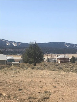 Photo of 1940 Golden Rod Avenue, Big Bear City, CA 92314 (MLS # 3183679)