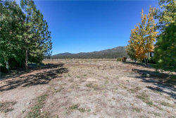 Photo of 376 Meadow N Circle, Big Bear Lake, CA 92315 (MLS # 31892079)