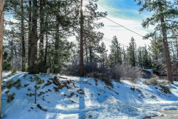 Photo of 315 Northern Cross Drive, Big Bear Lake, CA 92315 (MLS # 31901269)