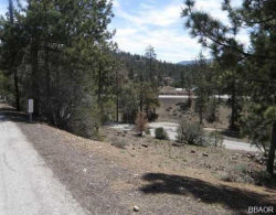 Photo of 39377 Garden Place Road, Fawnskin, CA 92333 (MLS # 31901315)