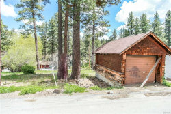 Photo of 677 Spruce Road, Big Bear Lake, CA 92315 (MLS # 31905089)