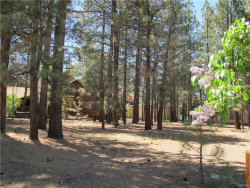 Photo of 41562 Stone Bridge Road, Big Bear Lake, CA 92315 (MLS # 31906141)