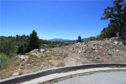 Photo of 380 Spring Hill, Big Bear Lake, CA 92315 (MLS # 31906242)