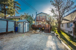 Photo of 158 Los Angeles Avenue, Big Bear City, CA 92314 (MLS # 3171649)