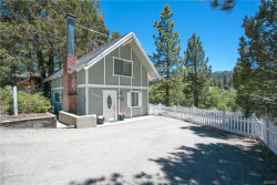 Photo of 42567 Cougar Road, Big Bear Lake, CA 92315 (MLS # 3173306)