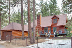 Photo of 408 Garrick Way, Big Bear City, CA 92314 (MLS # 3173494)