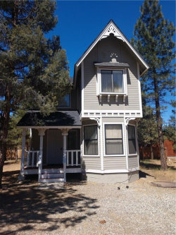 Photo of 973 Cypress Lane, Big Bear City, CA 92314 (MLS # 3185116)