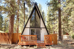 Photo of 327 West Aeroplane Boulevard, Big Bear City, CA 92314 (MLS # 3186285)