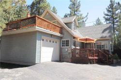 Photo of 303 South Eagle Drive, Big Bear Lake, CA 92315 (MLS # 3186429)