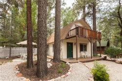 Photo of 880 Jaybird Lane, Big Bear Lake, CA 92315 (MLS # 3187682)