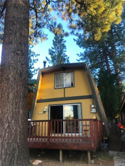 Photo of 42683 Falcon Avenue, Big Bear Lake, CA 92315 (MLS # 3187796)