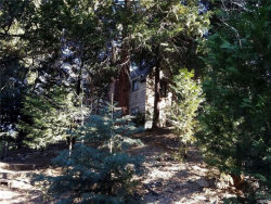 Photo of 281 Snowflower Lane, Lake Arrowhead, CA 92404 (MLS # 31892130)