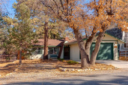 Photo of 337 Santa Barbara Avenue, Sugarloaf, CA 92386 (MLS # 31893302)