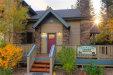 Photo of 605 Summit Boulevard, Big Bear Lake, CA 92315 (MLS # 31900057)