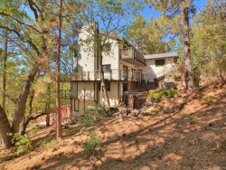 Photo of 978 Deer Trail, Fawnskin, CA 92333 (MLS # 31906453)