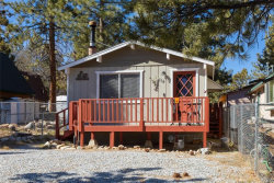 Photo of 114 Victoria Lane, Sugarloaf, CA 92386 (MLS # 32000358)