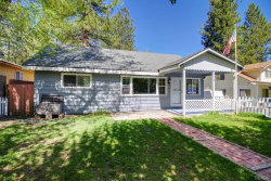 Photo of 404 Oriole Drive, Big Bear Lake, CA 92315 (MLS # 32001836)