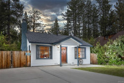 Photo of 831 Edgemoor Road, Big Bear Lake, CA 92315 (MLS # 32001951)