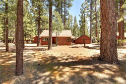 Photo of 39157 Chincapin Road, Big Bear Lake, CA 92315 (MLS # 32002215)