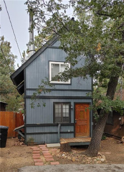 Photo of 328 San Bernardino Drive, Sugarloaf, CA 92386 (MLS # 32003926)