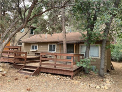 Photo of 304 Highland, Sugarloaf, CA 92386 (MLS # 32003944)